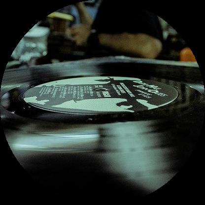 record-1284637_640